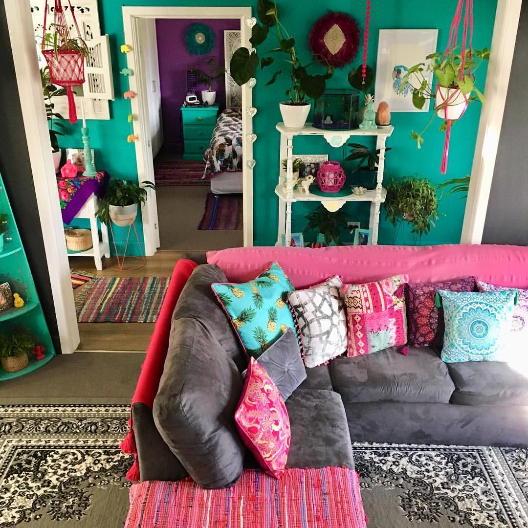 Turquoise Walls And Pink Couch Turquoise Walls Living Room Living Room Turquoise Turquoise Room