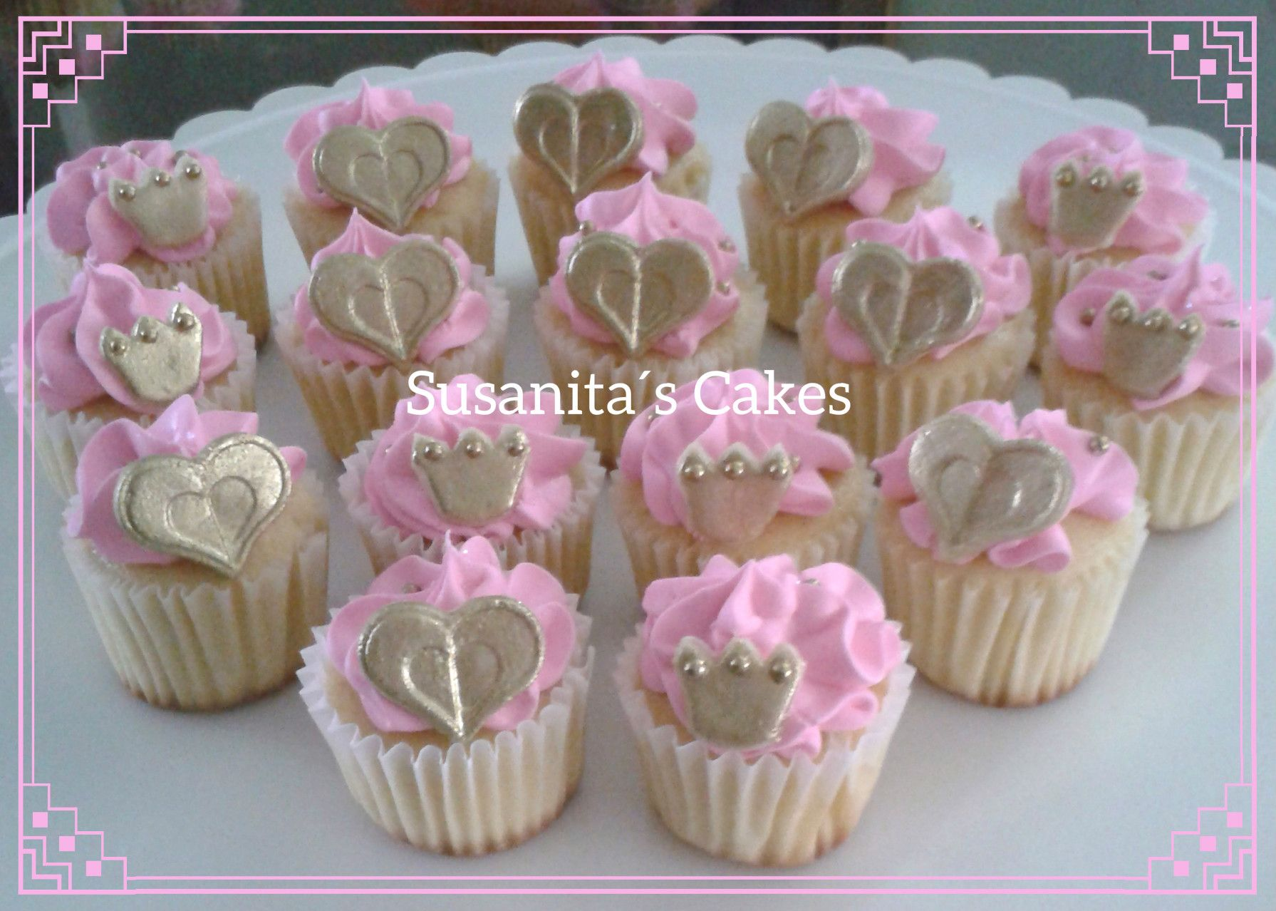 Mini Cupcakes Para Un Baby Shower En Colores Rosado Y Dorado