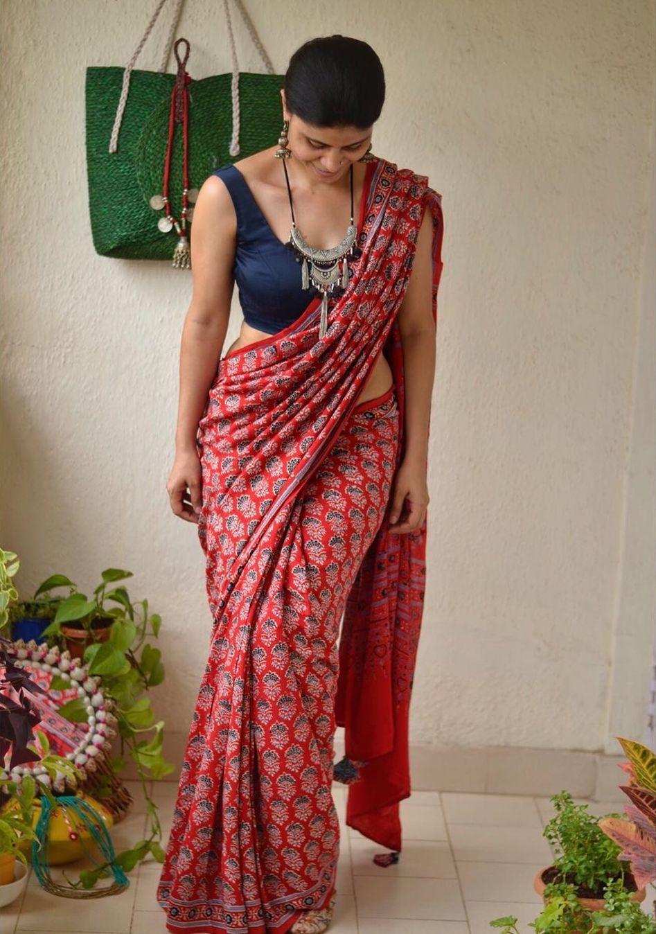 Red blue printed chakori ethnic saree