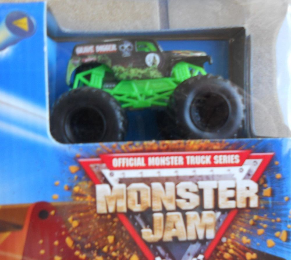 Hot Wheels Monster Jam Crash and Smash Stadium Exclusive Black Rim Grave Digger #HotWheels