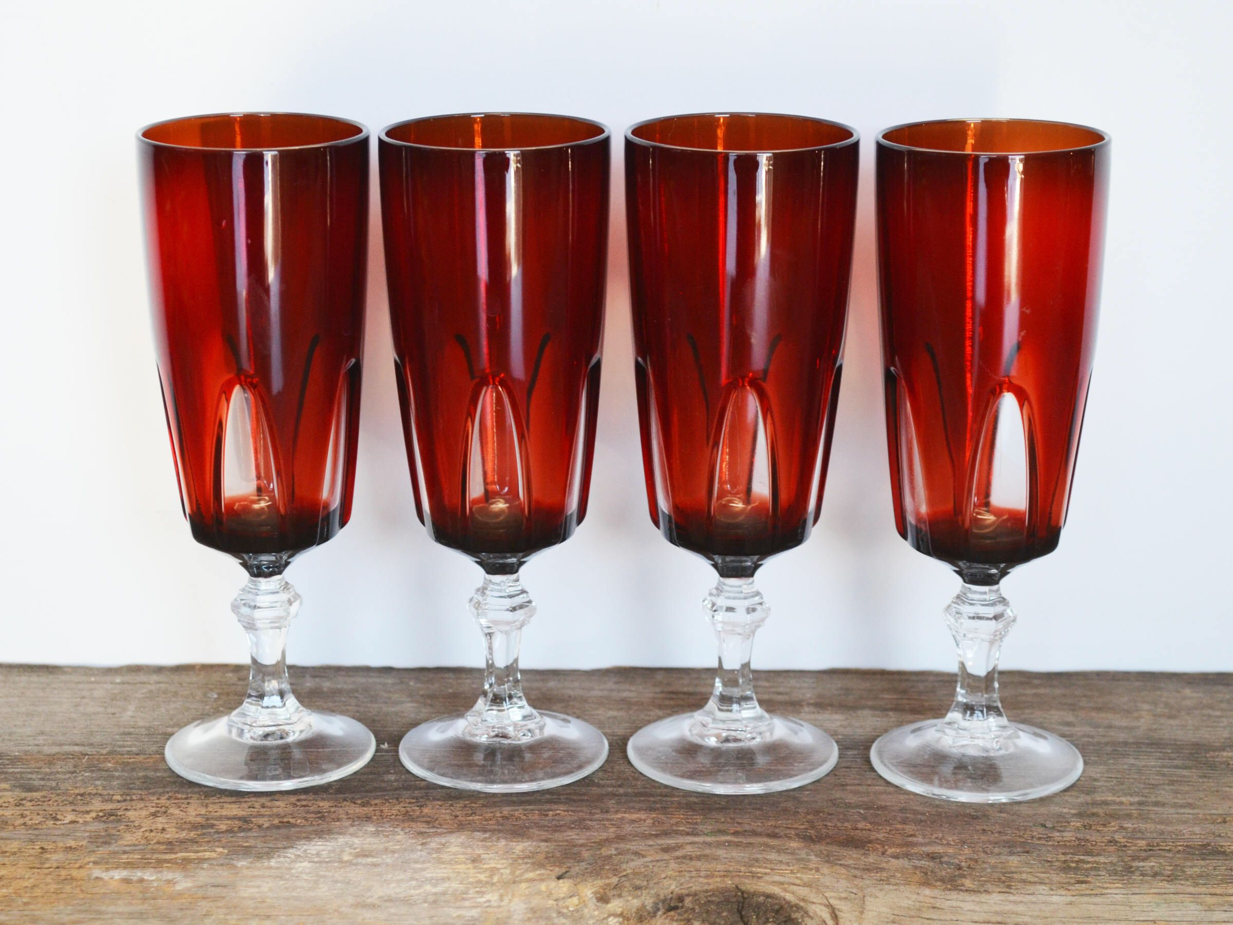 Vintage Luminarc Arcoroc Cristal D Arques Ruby Red Gothic Champagne Glasses From France Set Of 4 By Trashtiques On Etsy Luminarc Red Gothic Champagne Glasses