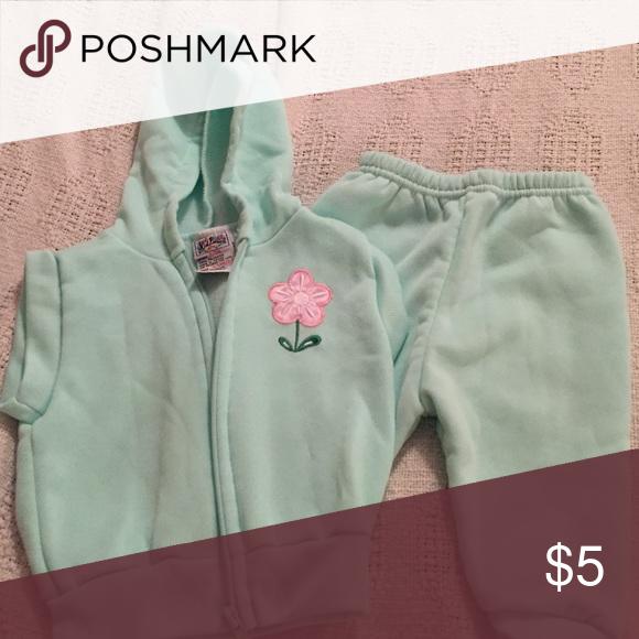 $5 SALE! Sweatshirt vest and pants Never worn! Kid Fusion Matching Sets