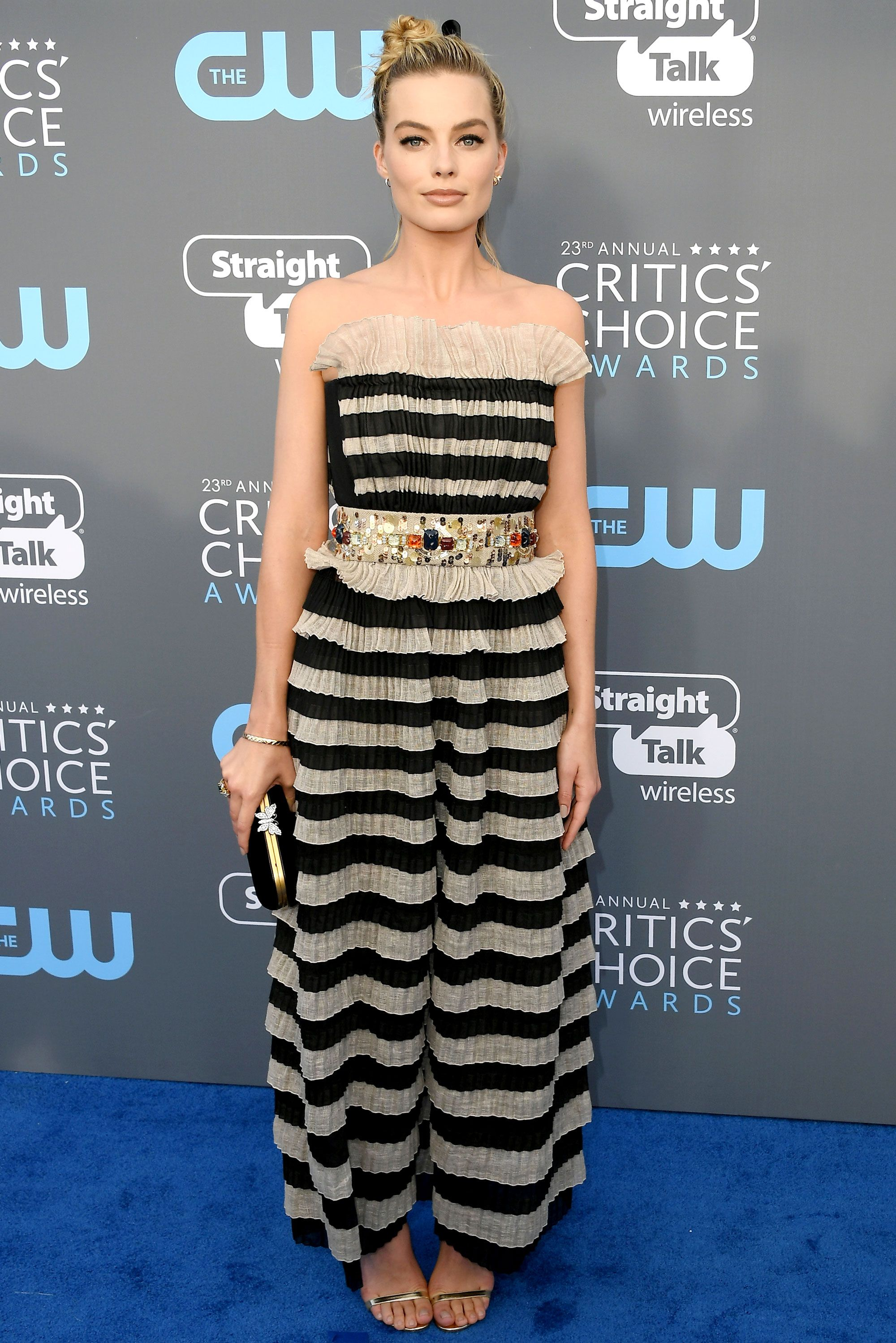 Critics Choice Awards Fashion And All Looks From The Red Carpet Red Carpet Dresses Margot Robbie Style Critics Choice