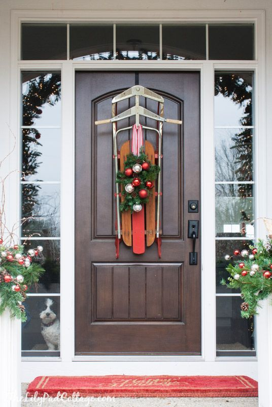 5 Easy Inexpensive Christmas Tips Christmas front doors, Front
