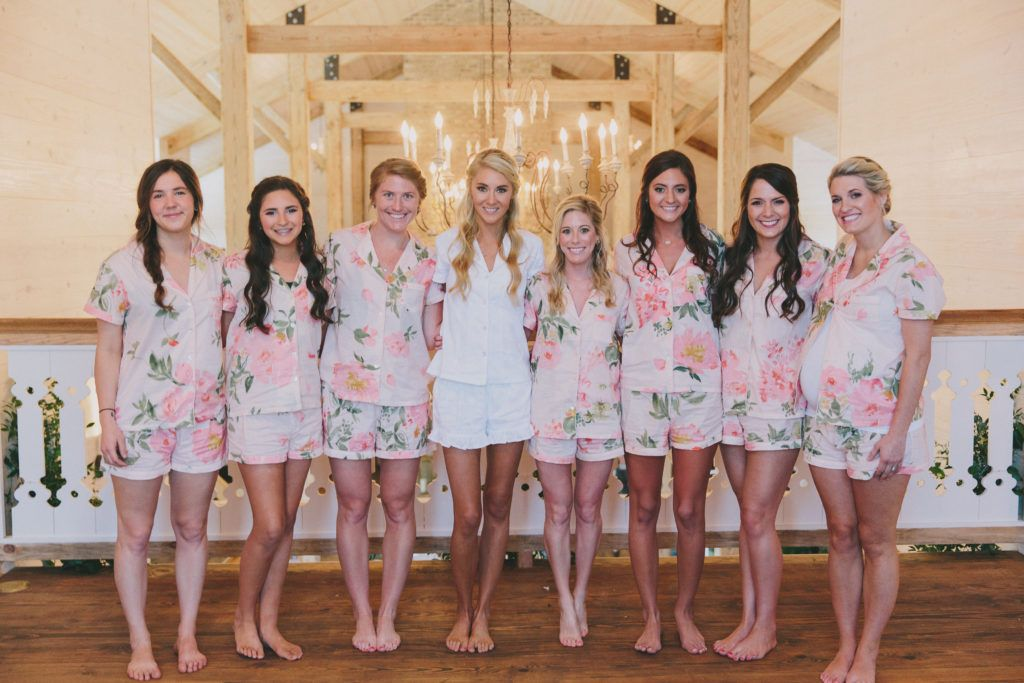 5 tips for choosing coordinating bridesmaids getting