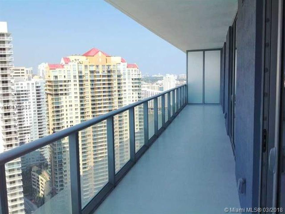 Brickellhouse Apartments Miami Fl Zillow Miami Houses Brickell Miami Realtor