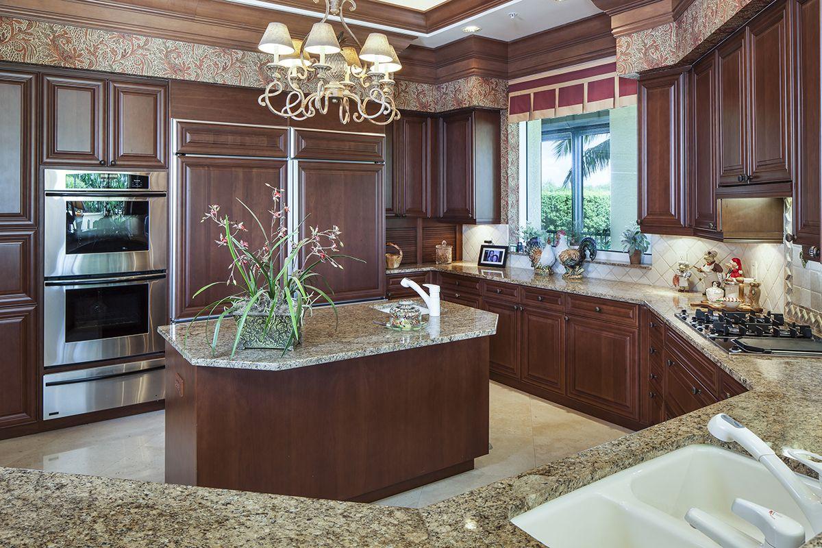 Naples Florida Bay Colony Visit Our Website At Premiersothebysrealty Com For Property Detai Indoor Outdoor Kitchen Outdoor Kitchen Bars Traditional Kitchen