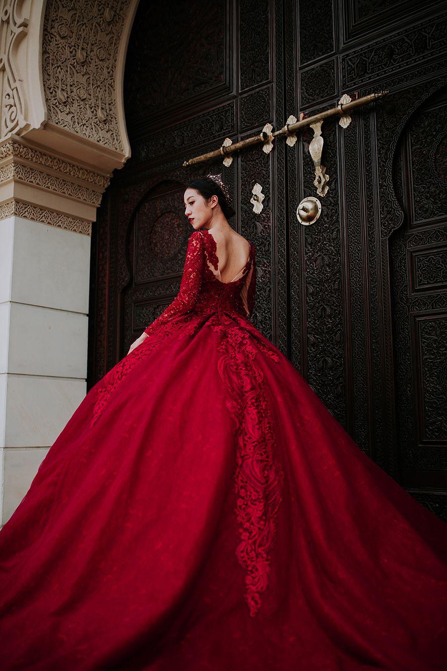 A Sense Of Grandeur A Styled Shoot At Astaka Morocco Putrajaya Colored Wedding Dress Colored Wedding Dresses Ball Gowns [ 1350 x 900 Pixel ]
