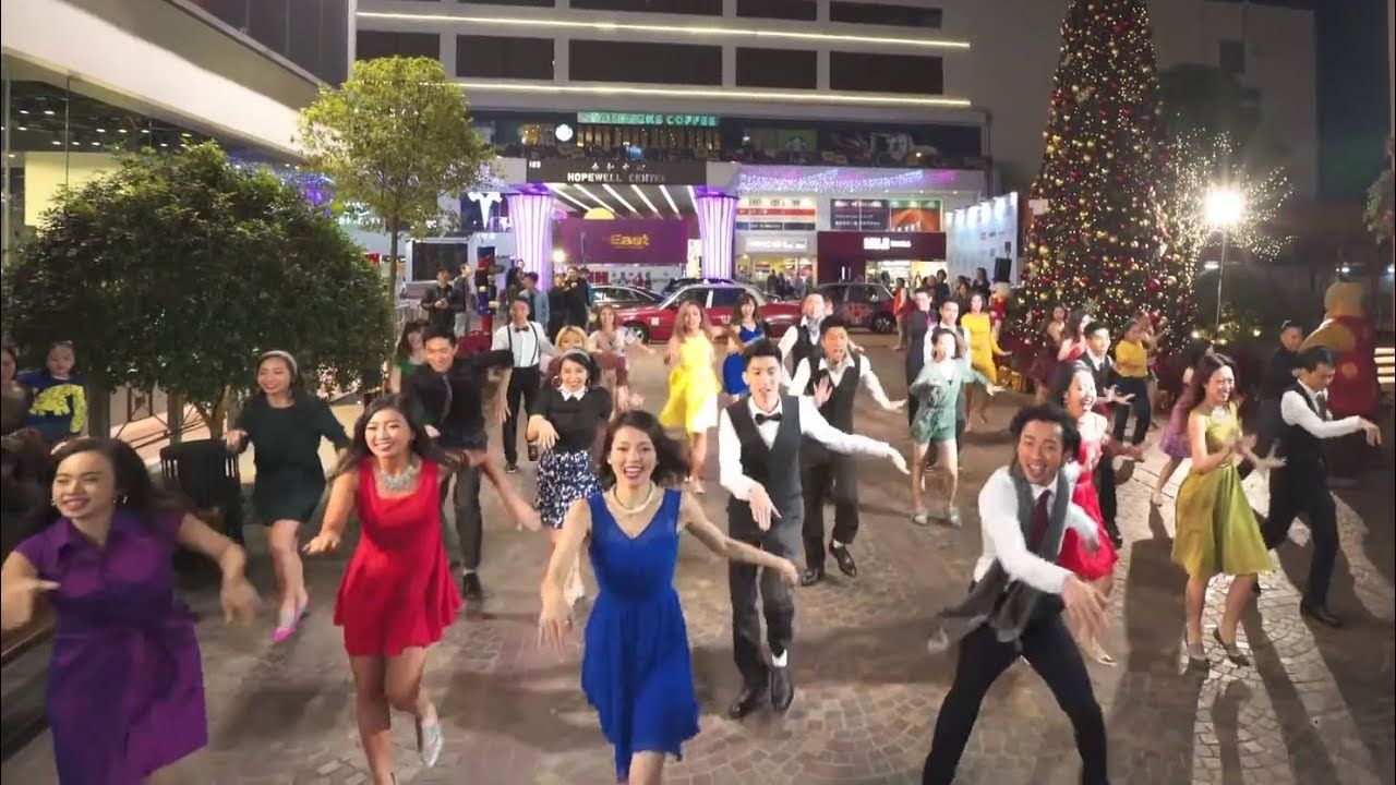 Another Day Of Sun From La La Land Flash Mob At 1563 At The East In Ho Flash Mob La La Land Beautiful Songs