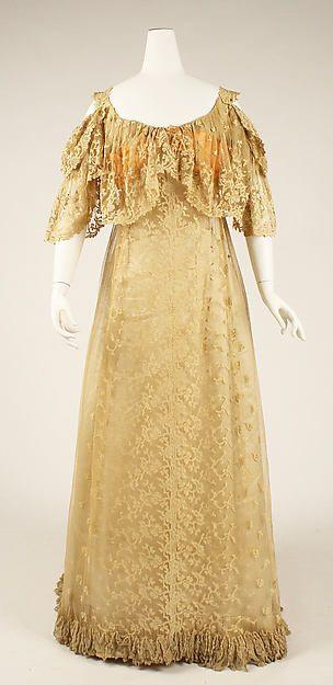 Evening dress Date: ca. 1905 Culture: American Medium: silk Accession Number: C.I.37.51.5