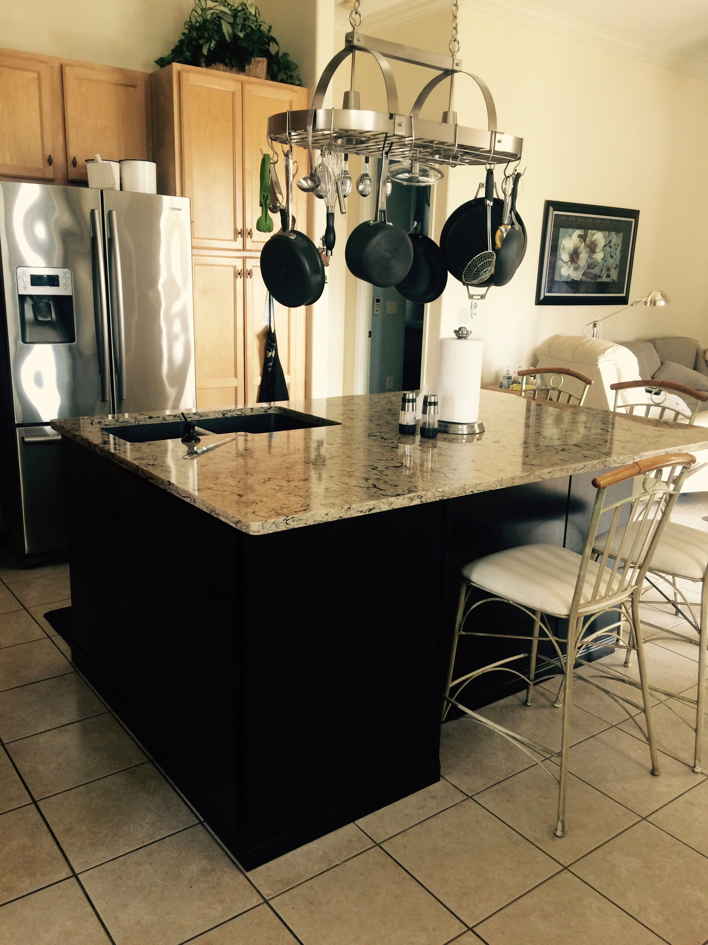 Cambria Bradshaw Was Used for This Kitchen with Cabinets By