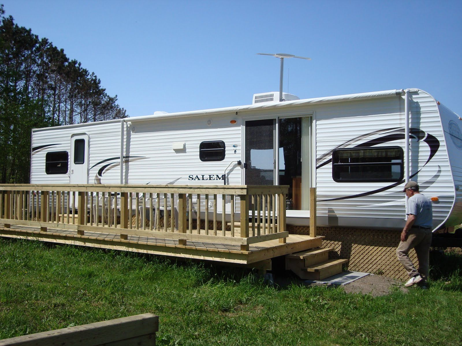 Build a deck for camper bing images camper projects for Rv decks