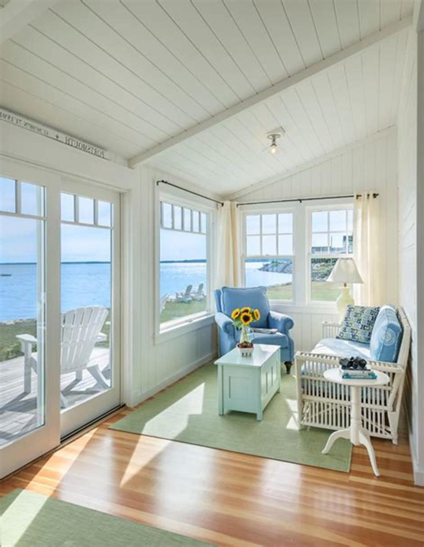 35 Stunning Sunroom Decor And Design Ideas Small Modern Living Room Small Living Room Decor Beach House Interior