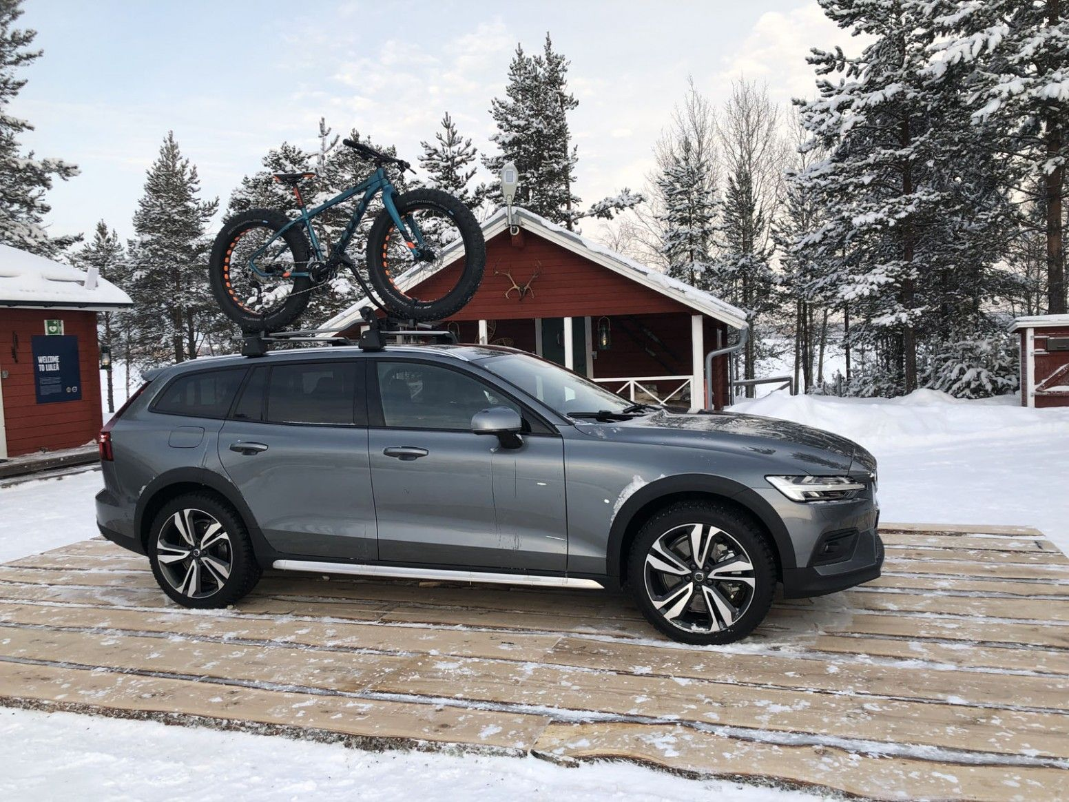 2021 Volvo V60 Cross Country New Review