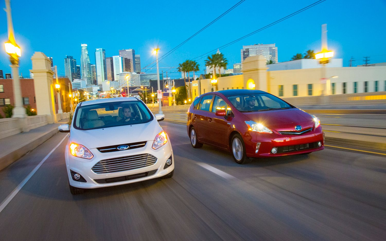 2012 Toyota Prius V Vs 2013 Ford C Max Hybrid Comparison Motor
