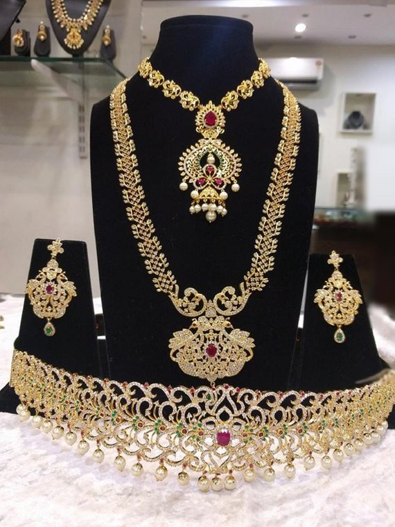 11403982a The Grand Bridal Set with two Necklaces (Long and Short)