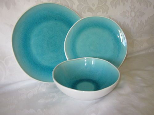 Set Of 4 New. Large White Stoneware Pasta Bowls By Roscher