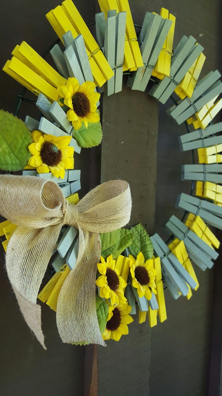 clothespins wreath | crafty | Clothes pin wreath, Wreaths ...