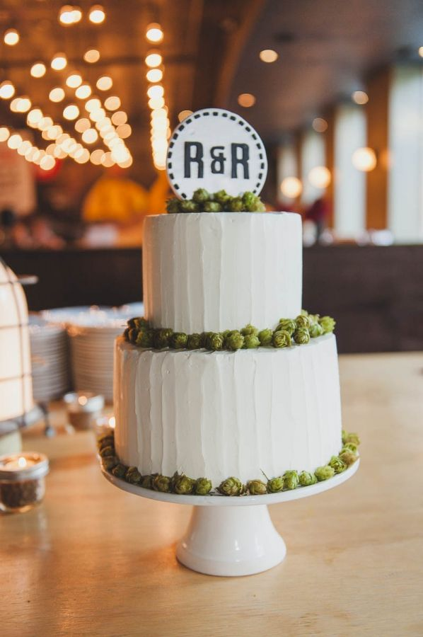 beer wedding cake wedding cake with hops made by the sweet 11258
