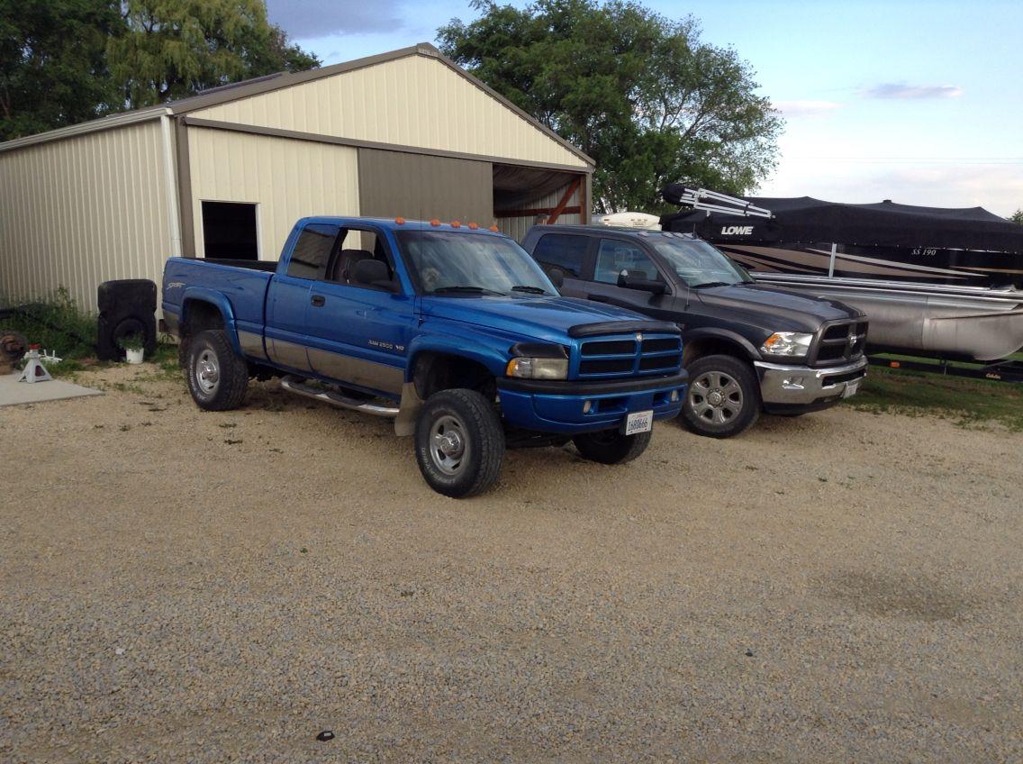 1998 Ram 2500 V10 8 0l 2015 Ram 2500 V8 6 4l Dodge Ram Ram 2500 Dodge
