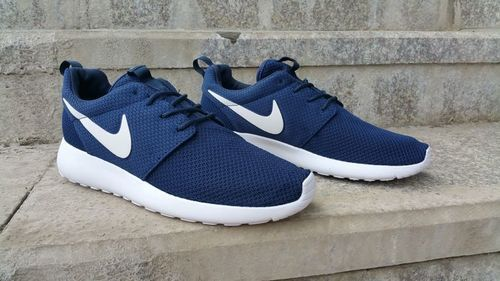 Economía Ten cuidado Repetido  Nike Roshe Run Womens Mens Shoes Navy Blue White - Roshe Run | Cheap nike  shoes online, Nike women, Blue nike