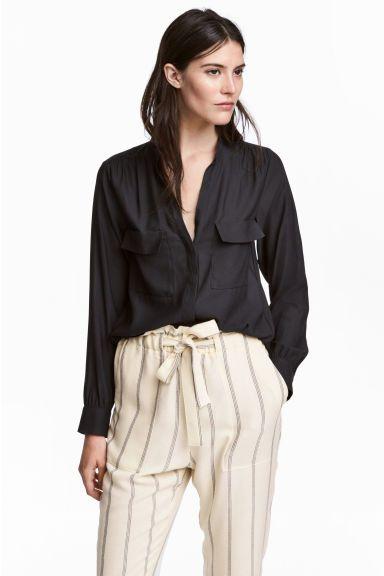 4e3bc82e5c0ca6 Blouse en crêpe | street style | Shirt blouses, Blouse, Black blouse
