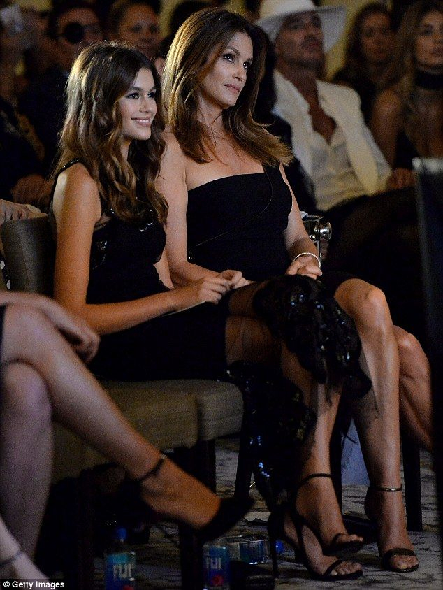 Kaia Gerber wins breakthrough model award with Cindy Crawford watching is part of Kaia gerber - Cindy Crawford, 50, and her lookalike daughter Kaia Gerber, 15, shined in allblack ensembles on Thursday at a fashion awards event in New York City