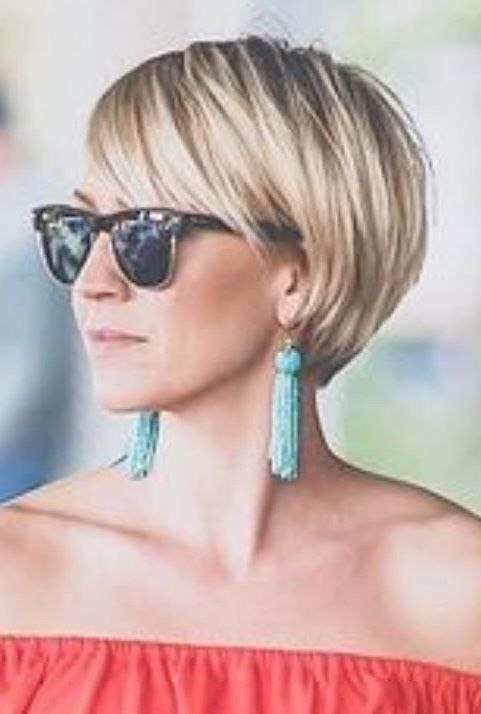 Pin By Inge Jakob On Hairline Studio Bob Look Thick Hair Styles Chic Short Haircuts Hair Styles