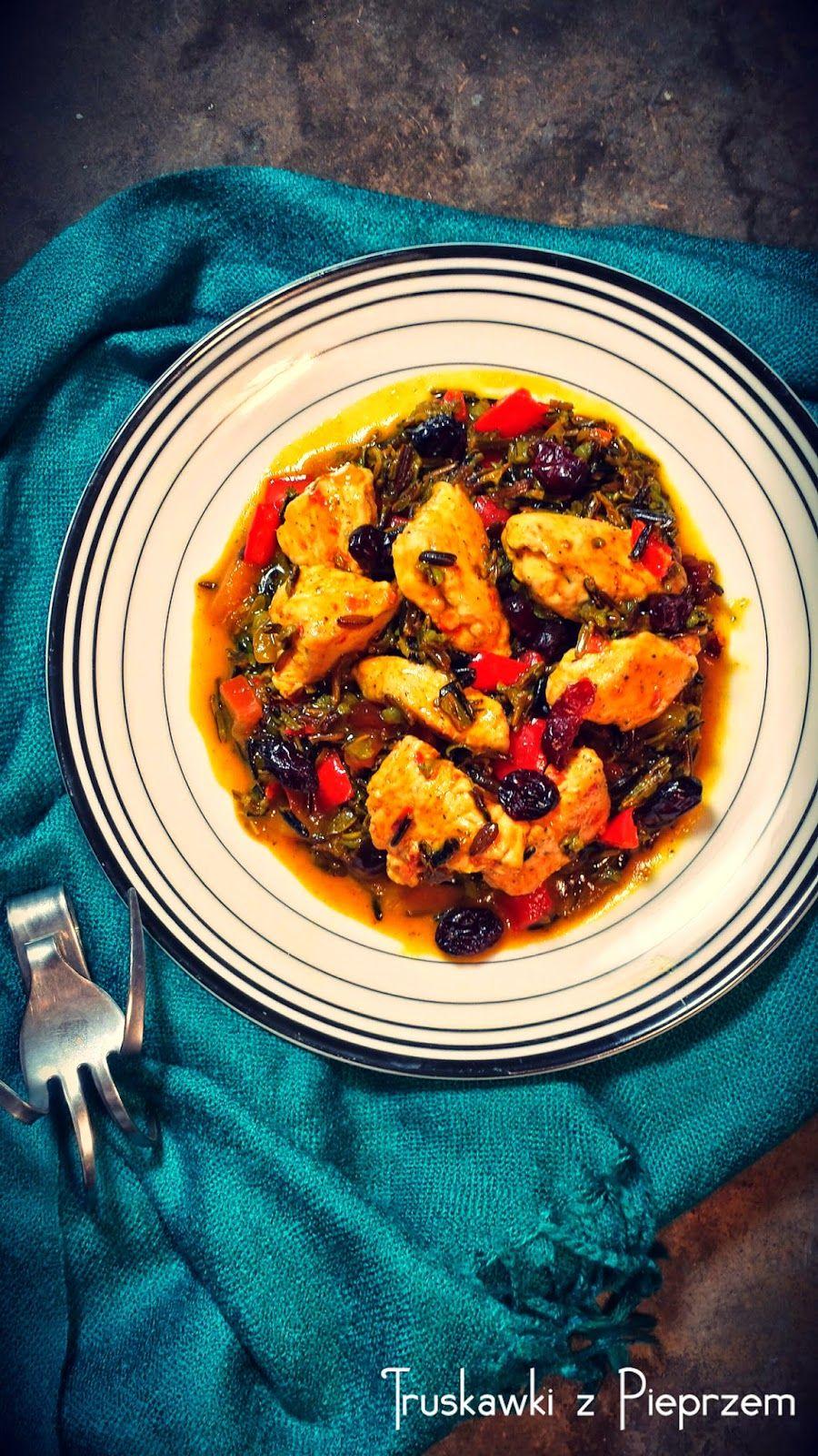 Truskawki z pieprzem: Marokańska sałatka z dzikim ryżem i kilka słów o domowej Spiżarni