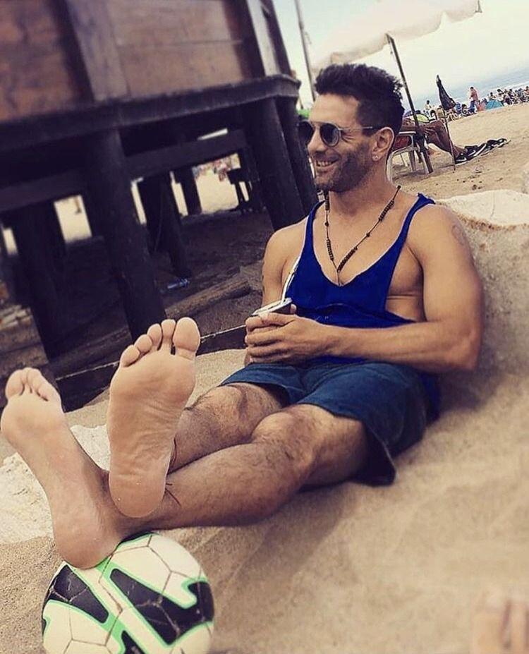 Feet   Male feet, Bare men, Barefoot men