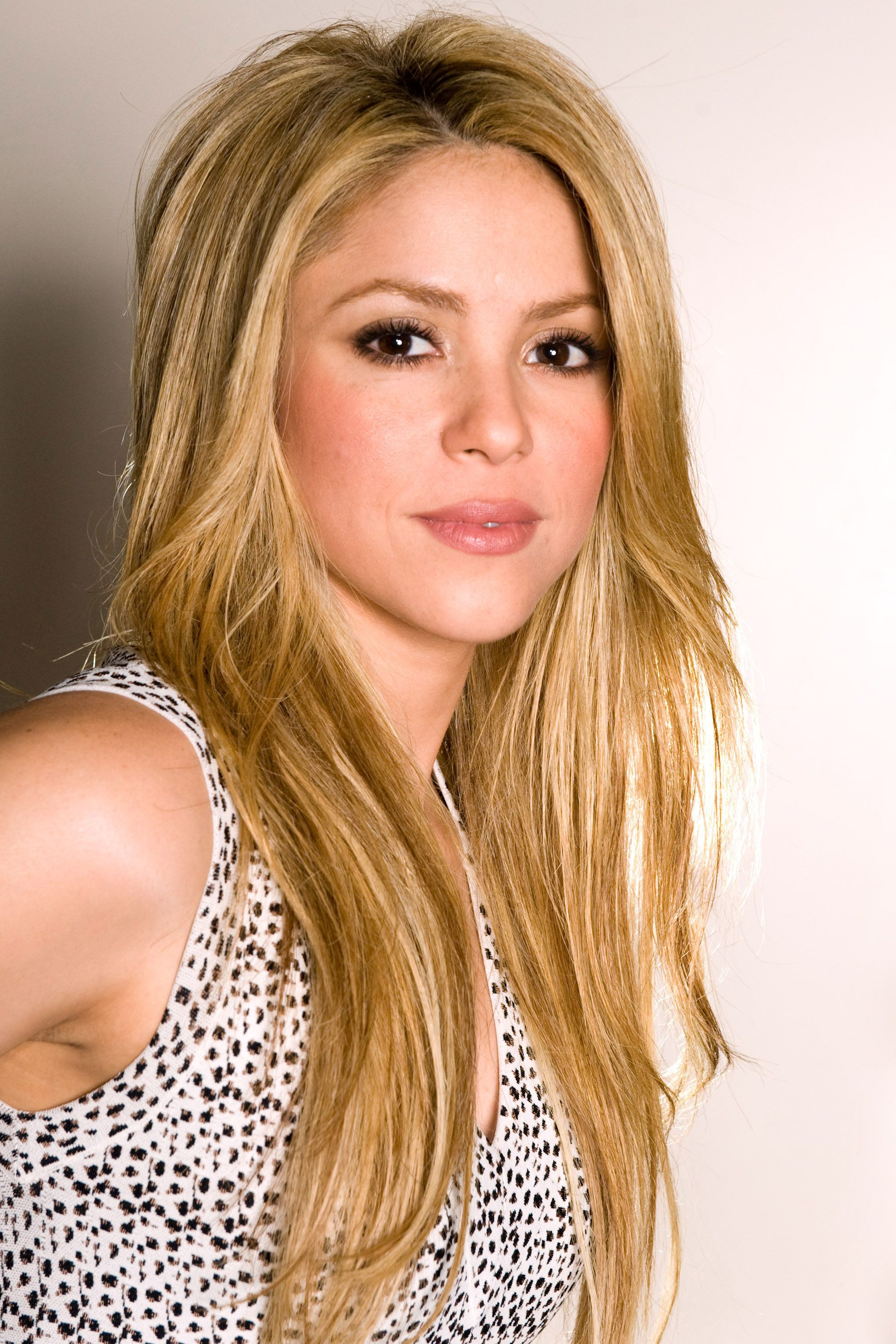 Shakira Photos Shakira Hd Wallpapers Hd Wallpapers