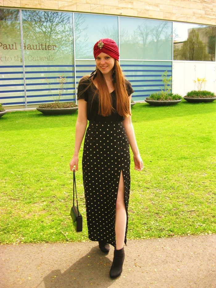 Same outfit, different picture. You can see the turban better on this one! #Outfit #Blogger #Fashion #Blog #Turban #HM #Thrifted #BeyondRetro