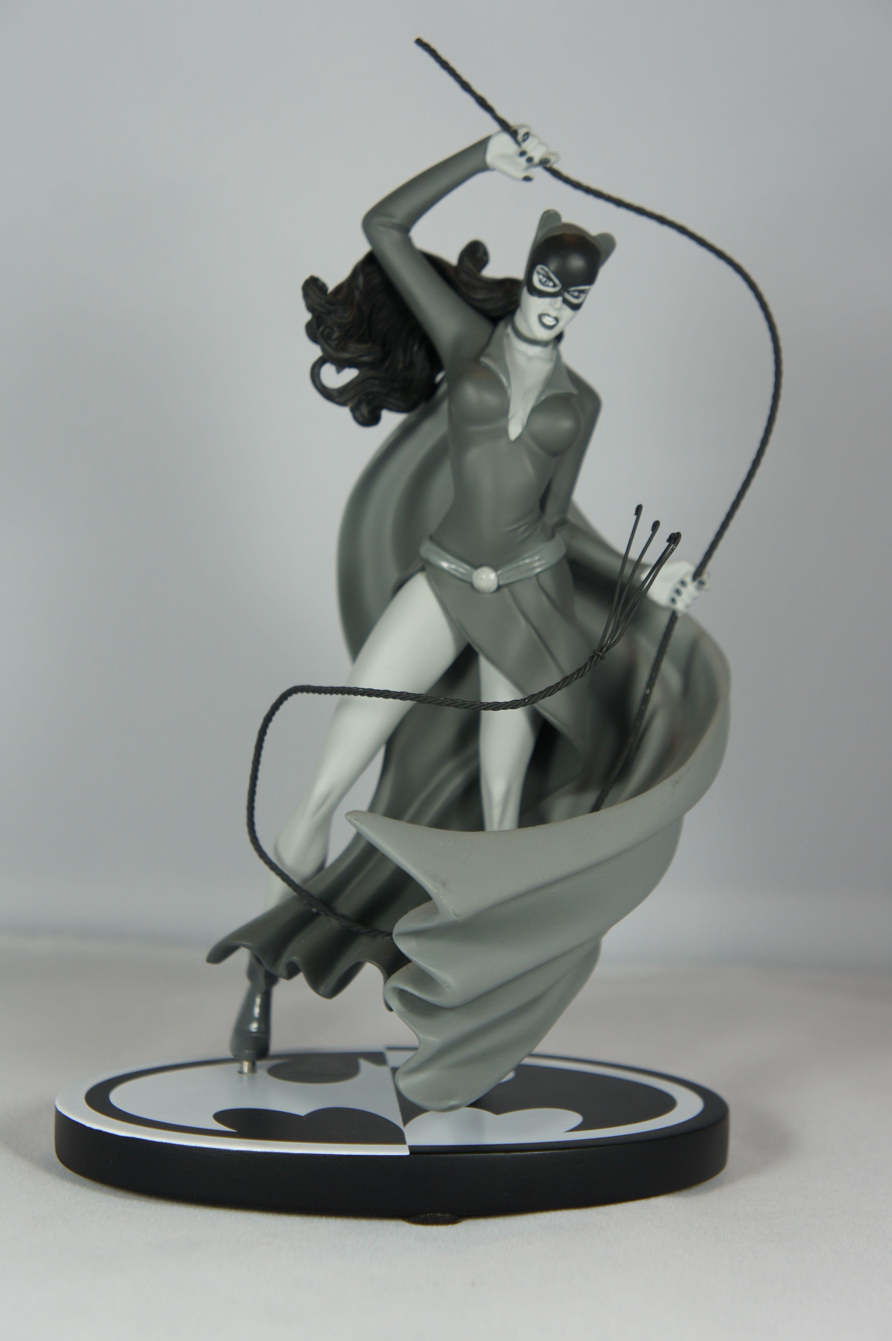 Batman Black & White Classic Catwoman statue