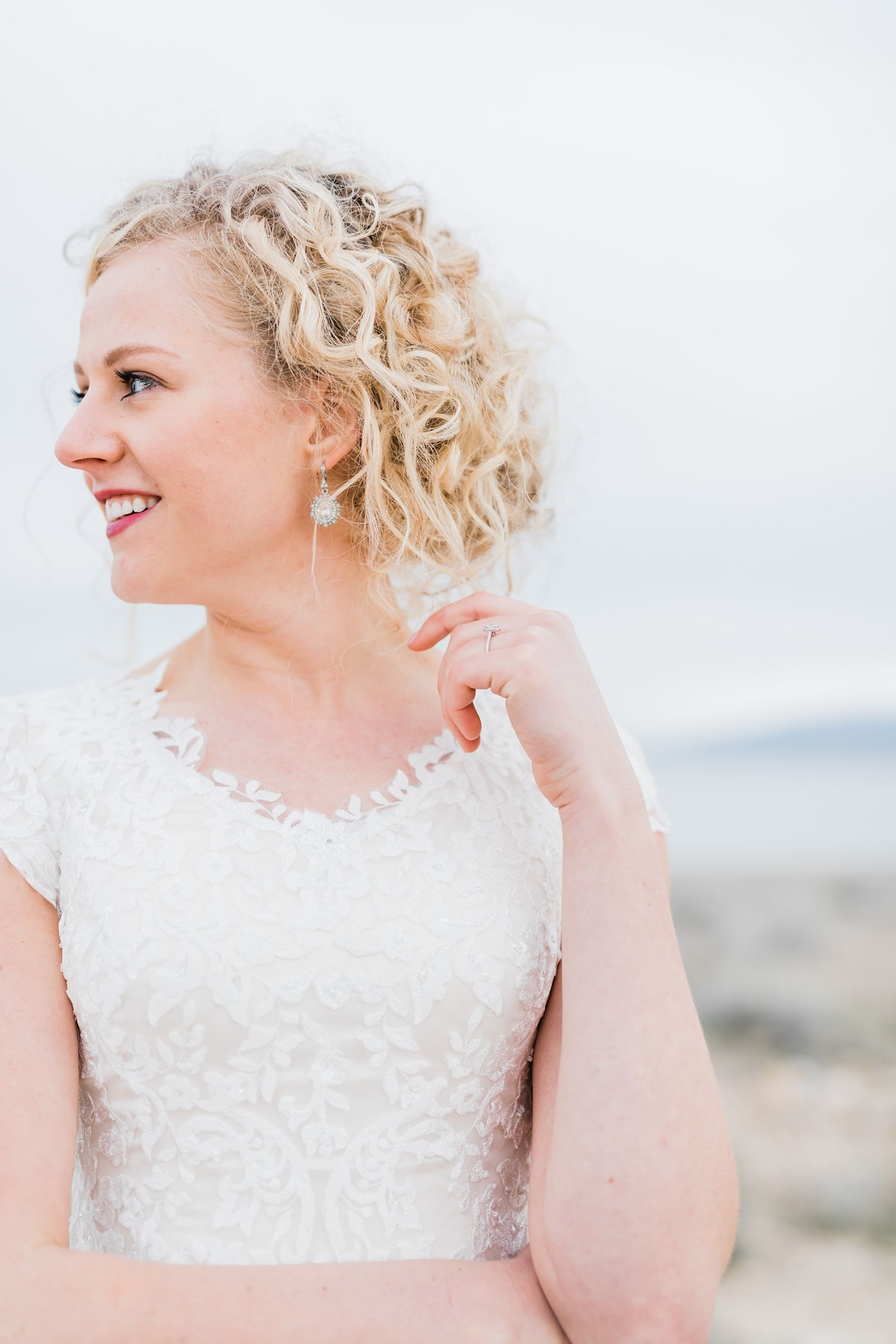 The Lace On This Beautiful Bride S Wedding Dress Is So Gorgeous Tasha Rose Photography Ogden Union Station Utah Lds Temple