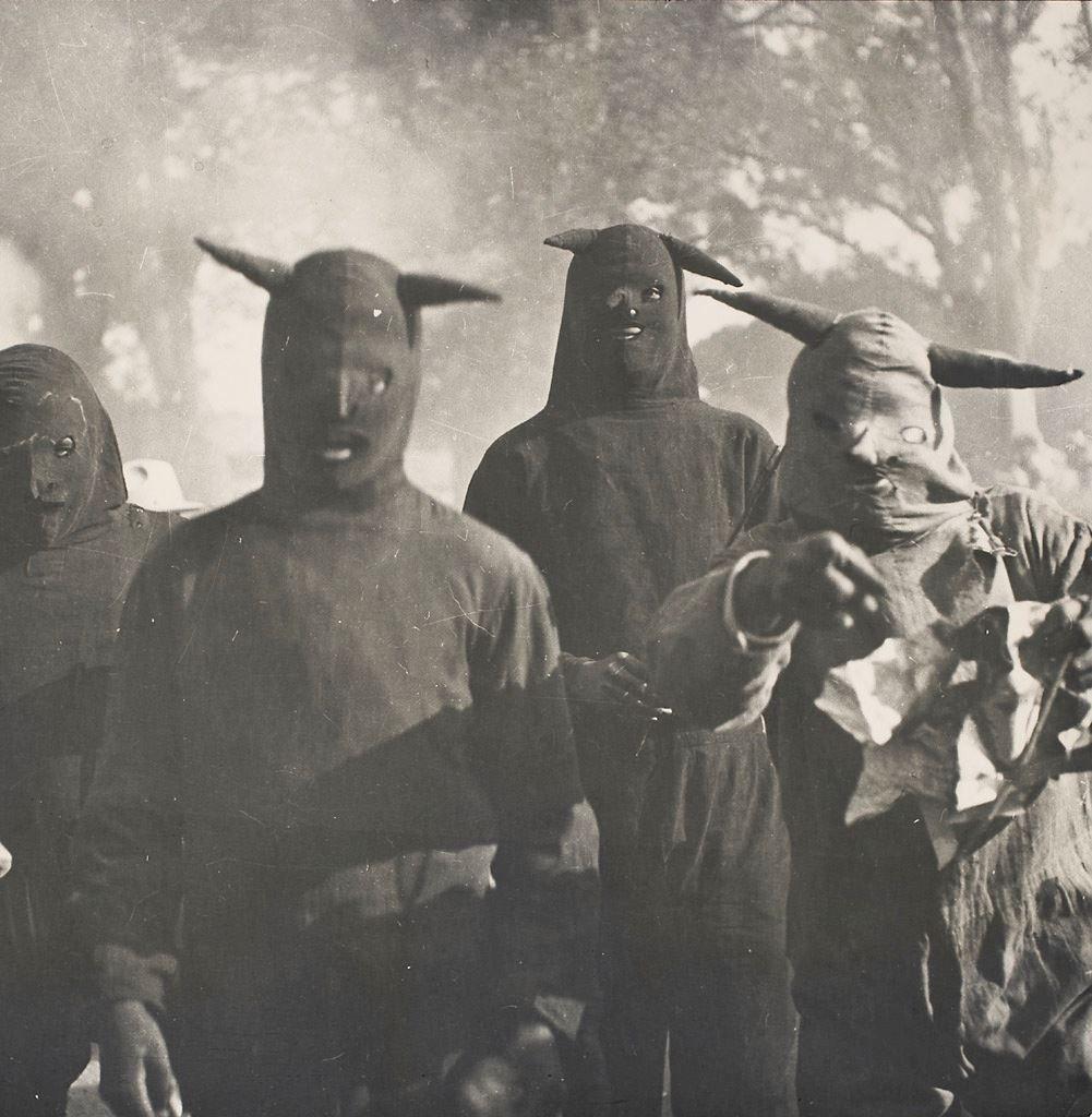 charlieambler:  Kati Horna. Untitled, Carnaval de Huejotzingo, Puebla, 1941.via magictransistor