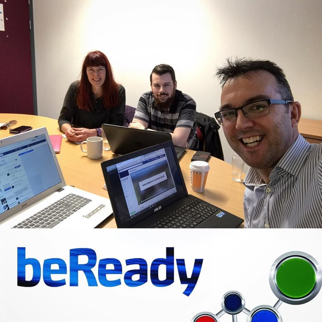 My final BeDigital 1-2-1 of the year and a great one to finish on - helping the guys from Kari-Tek get to grips with all the few features of #Facebook.  Now it's time for mulled wine and getting into that #Christmas feeling!  #holidaysarecoming  #eastayrshire #beready #bedigitalready #businesssupport #socialmediatraining #Kilmarnock #digital #consultancy