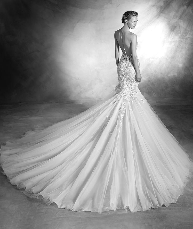 veranda wedding dress 2016 this beautiful mermaid pronovias wedding gown will be found in white. Black Bedroom Furniture Sets. Home Design Ideas