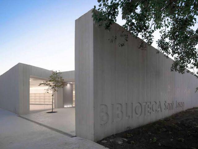 Biblioteca Sant Josep By Ram N Esteve Architecture Exterior Architecture Minimalist Architecture