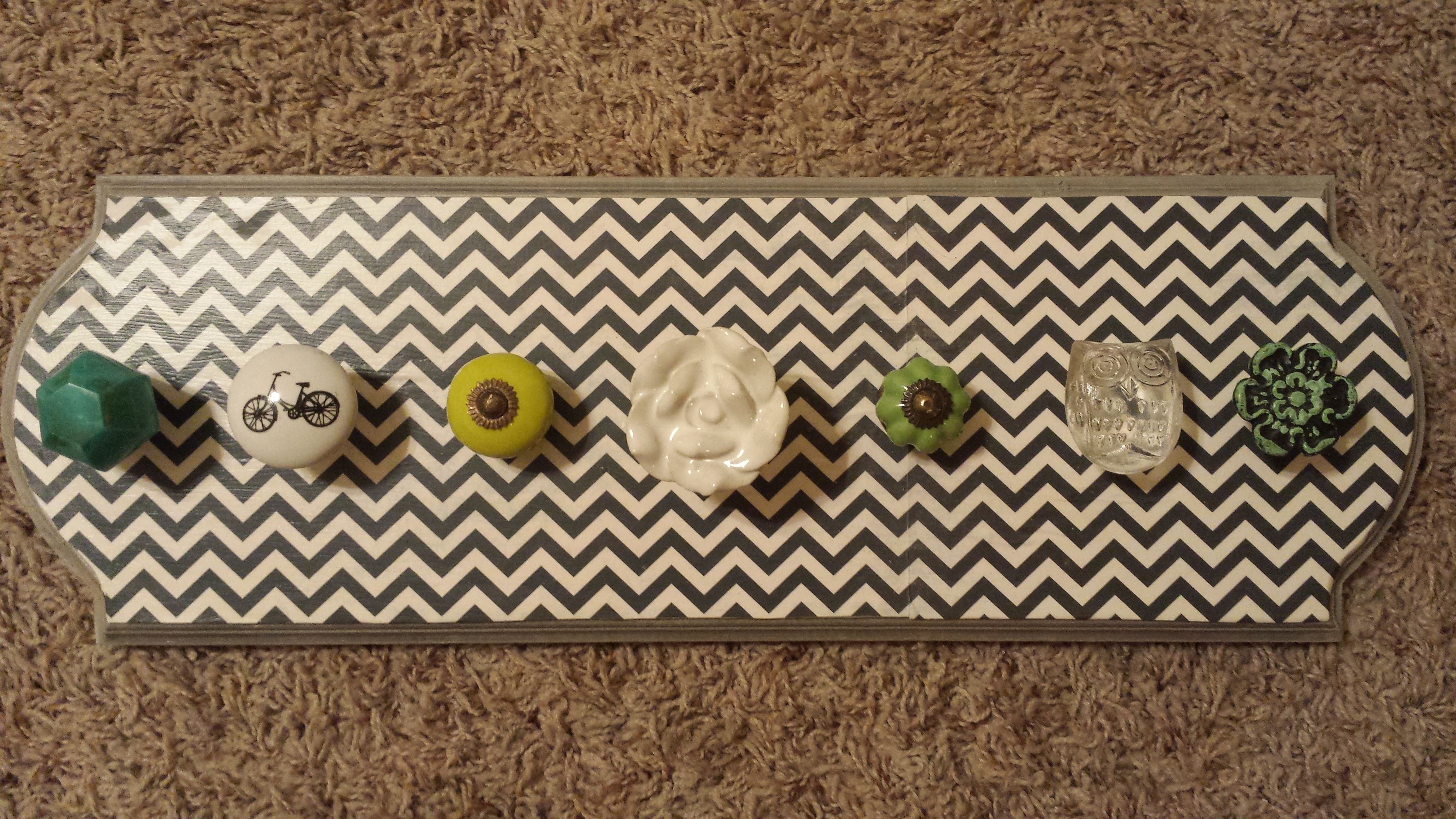 DIY: DoorKnob Necklace Holder. Fun and easy! materials include: board of some kind, paint (if you want to paint it), knobs (try Hobby Lobby), drill (too make the holds), brackets (to hang it up), and a little saw (to cut off the ends of the knobs), then add your necklaces!!!!