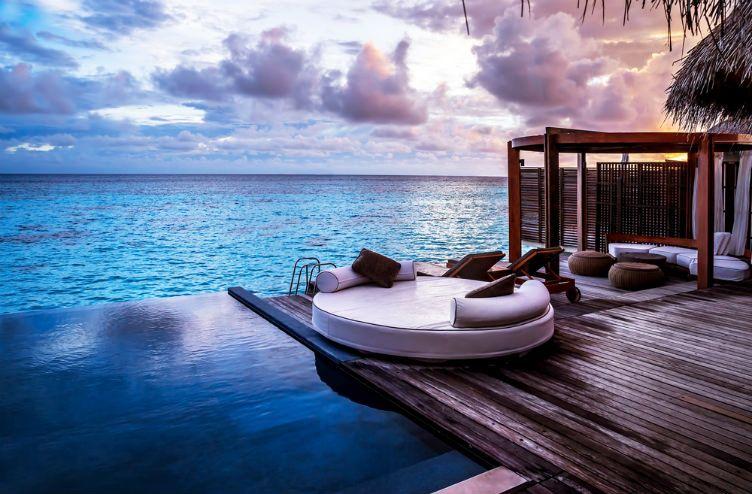 26 صورة ستجعلك ترغب السفر إلى جزر المالديف Luxury Beach Resorts Luxury Vacation Luxury Beach