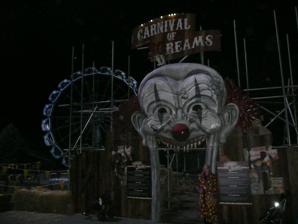 Dark circus & Thereu0027s still a good maze to be created out of Carnival of Screams ...