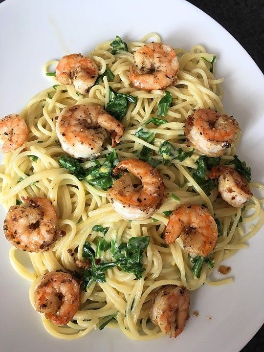 Photo of Lemon spaghetti with herb prawns from GourmetKathi | chef