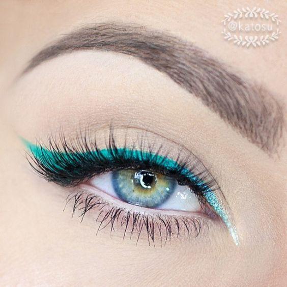 6 Tips on How to Rock Colored Eyeliner - Colorful Eyeliner Ideas        Teal cat eye make up