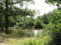 kindvriendelijke camping met grote plaatsen zwemmeertje en riviertje. le semnadise Frankrijk zoover 8.8