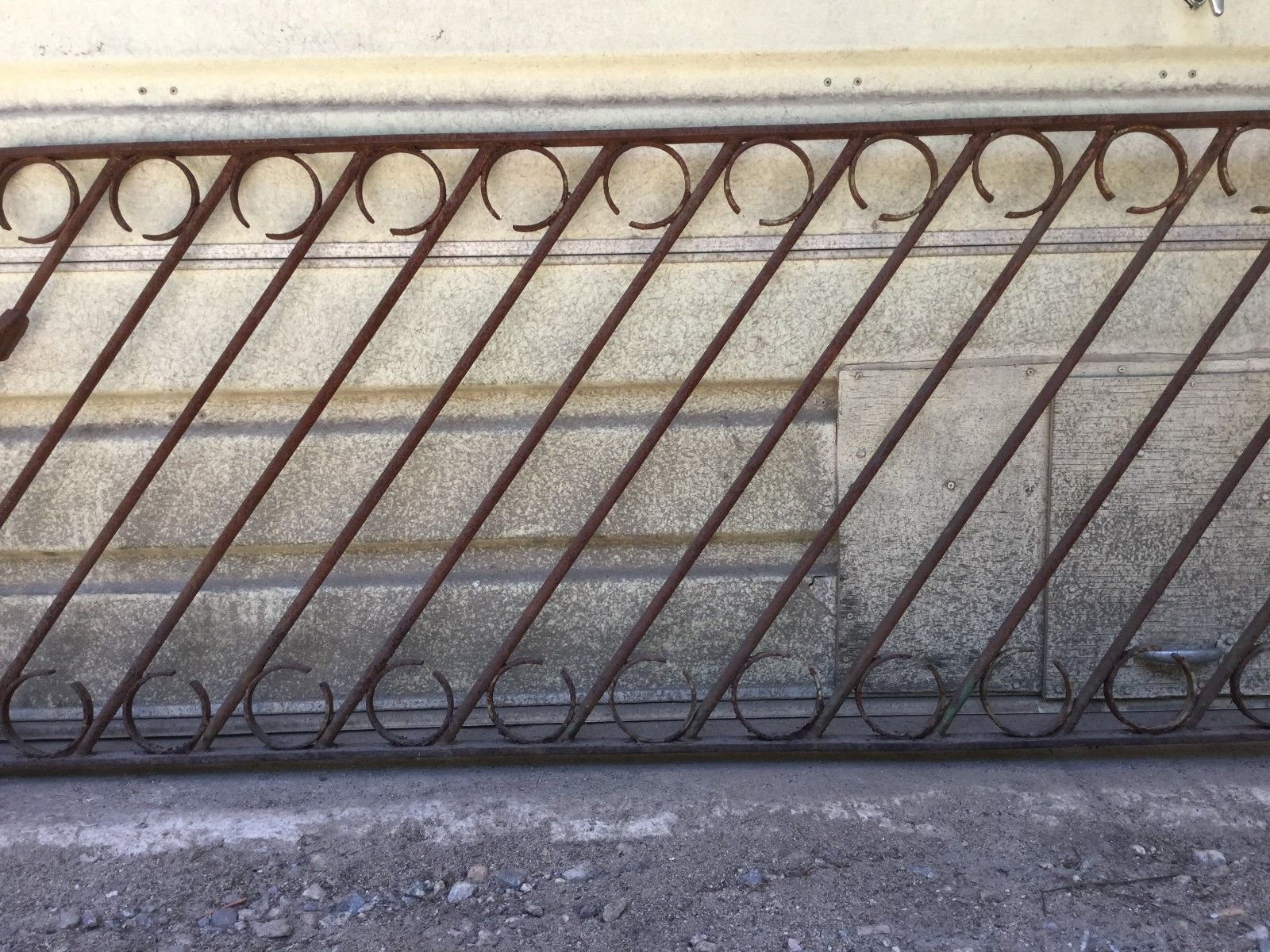 Best Gorgeous Antique Vintage Old Wrought Iron Hand Rail 400 x 300