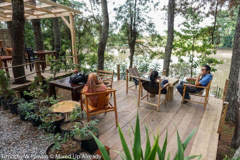 Indonesia Bandung Coffee Shop Armor Kopi Outdoor Seating