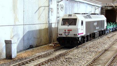 Testero de la locomotora 333. Escala H0.