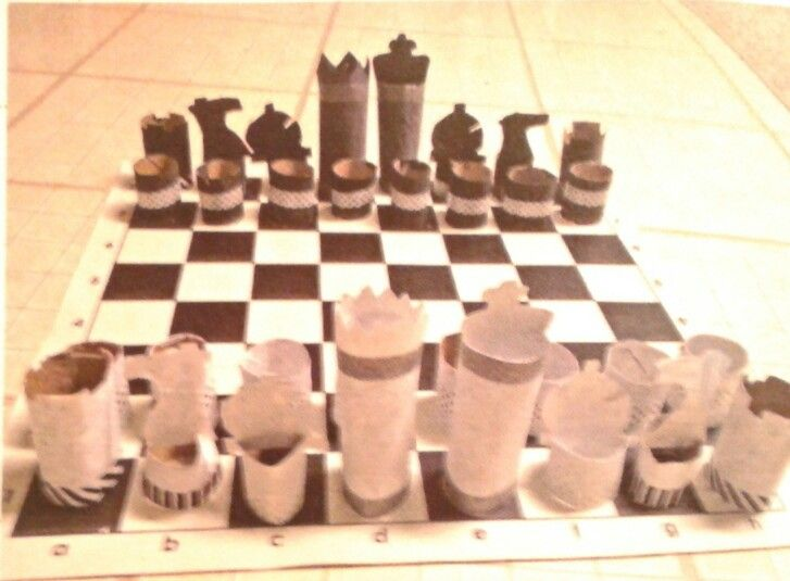 Make A Chess Set Out Of Toilet Paper Rolls And Cardboard
