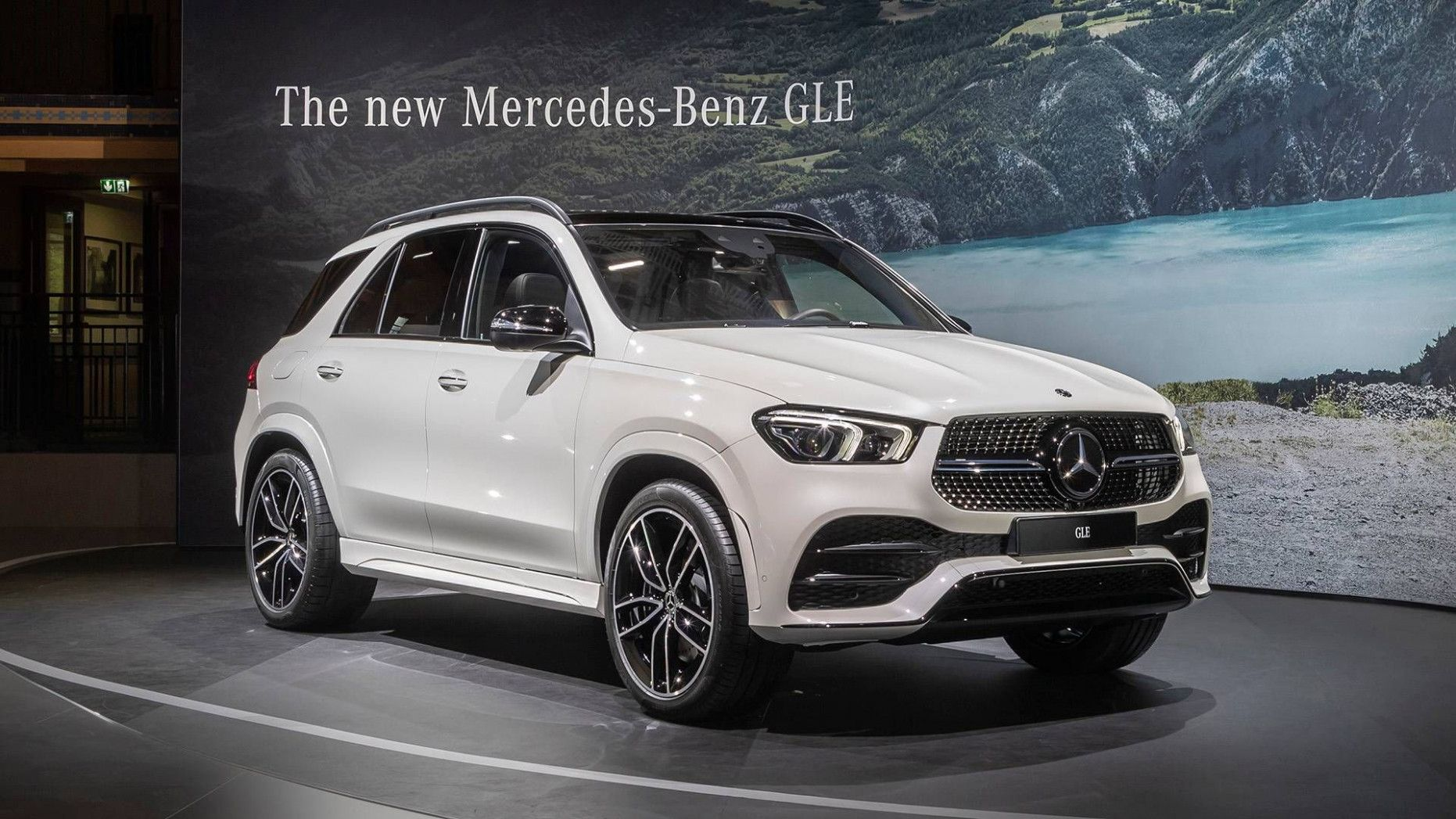 12 Wallpaper Mercedes Suv 2020