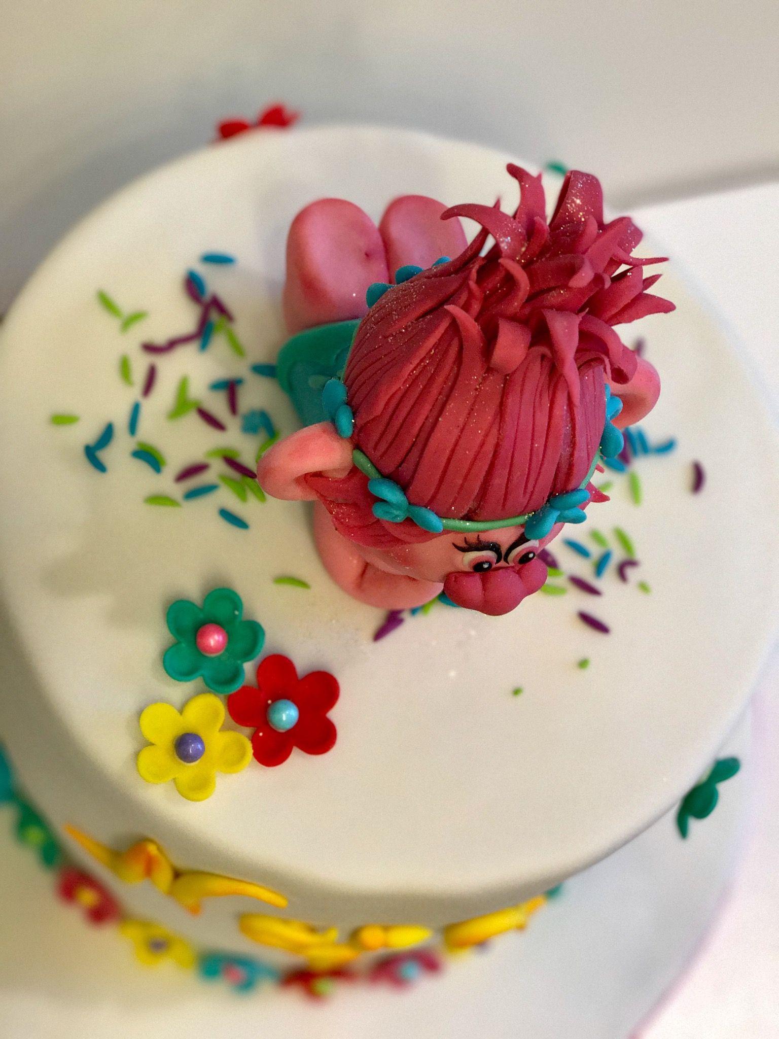 Poppy princess cake trolls cake princess poppy cake